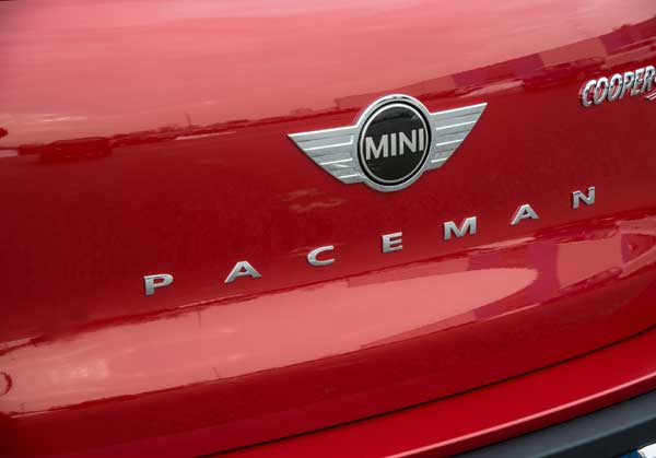 The Paceman is the only MINI to have a vertical name plate at the back.