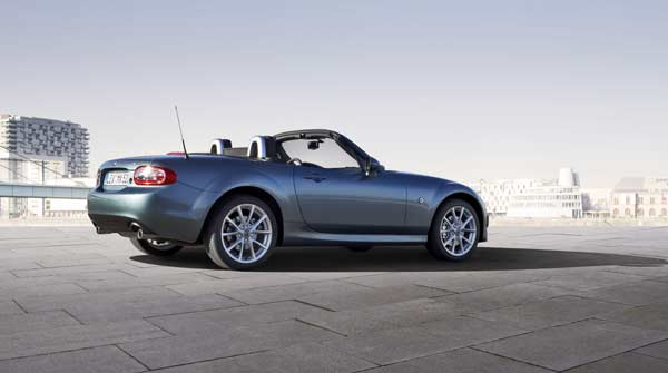 Mazda MX-5 Roadster Coupe 2.0I Sport Tech