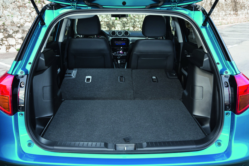 The luggage area has a capacity of 375 litres (VDA) with the rear seat in its upright position.