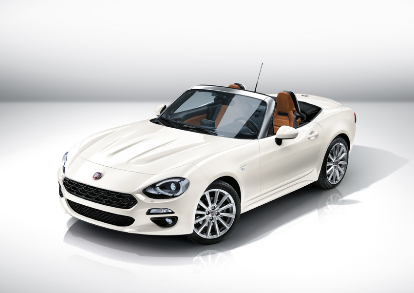 The new FIAT 124 Spider is compact, lightweight and rear-wheel drive