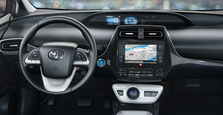 The instrument cluster features dual 4.2-inch full colour TFT (thin film transistor) LCD screens with easy to read displays.