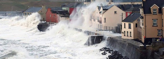 #StormCallum: 70mph winds and heavy rain are on the way