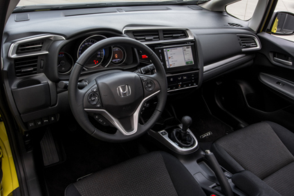 A new seven-inch touchscreen in the centre of the dash features Honda's new infotainment system