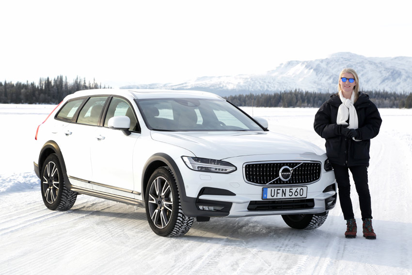 Geraldine Herbert with the New Volvo V90 Cross Country