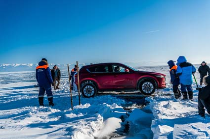 Coaxing the Mazda CX-5 across a huge fracture in the ice